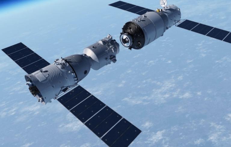 Arrimage du vaisseau Shenzhou-8 à la station orbitale Tiangong-1.