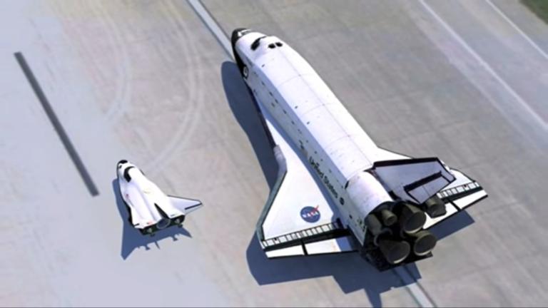 Comparaison entre la navette spatiale et le Dream Chaser.