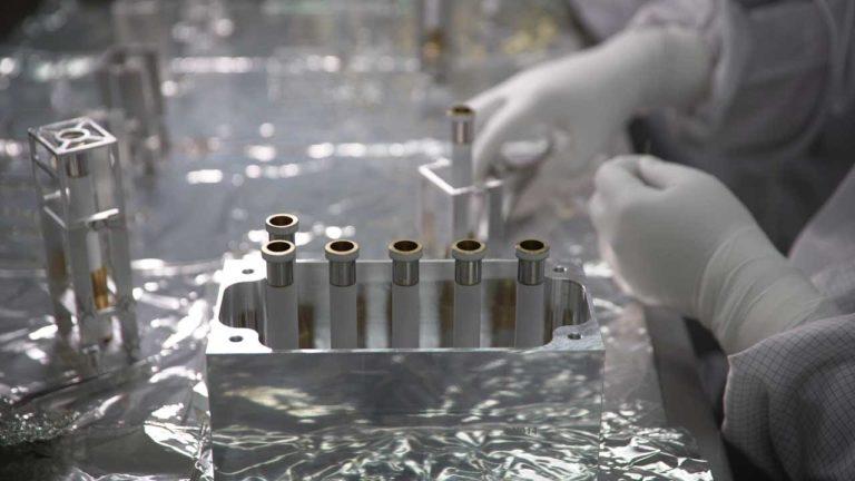 Tubes emportés par le rover Perseverance