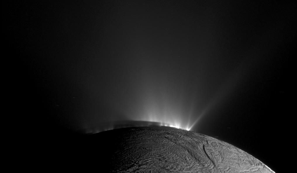 Les geysers d'Encelade