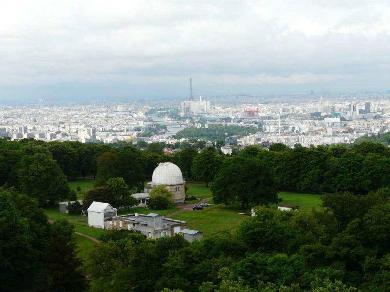 Une partie des installations de l'Observatoire de Meudon sur la colline communale qui surplombe la banlieue parisienne © J-B Feldmann