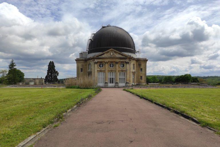 Le Château-neuf de Meudon, destiné à sa construction au Grand Dauphin fils de Louis XIV. Il fut incendié lors de l'occupation prussienne mais rénové par la suite par Jules Jansenn