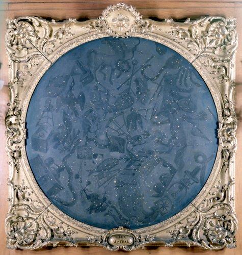Cette peinture, réalisée au milieu du XVIIIè siècle, représente le ciel austral. Celle-ci est basée sur les observations de l'astronome Nicolas de la Caille, qui était parti en 1750 au Cap cartographier près de dix mille étoiles et une quinzaine de constellations © Observatoire de Paris
